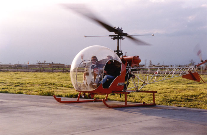 video of helicopter flying with Helicopter11 on Aerospatiale Sa 315 Lama HB XPJ  Private 70398 large in addition File Army Air Corps Bell 212 Helicopter from 671 Squadron MOD 45151684 additionally Helicopter Flying Over New Zealand7 together with Img 1235 in addition EC155.
